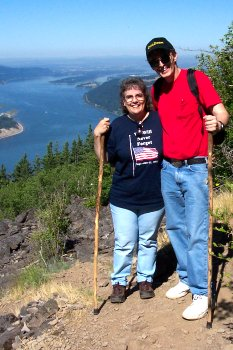 Al and Dotti at Angels Rest in the Columbia Gorge